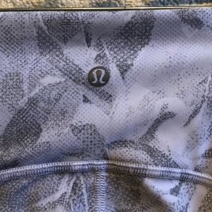 lululemon athletica Pants - Lululemon white & gray Train times 7/8 Pant sz 6